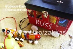 素朴な木製の玩具